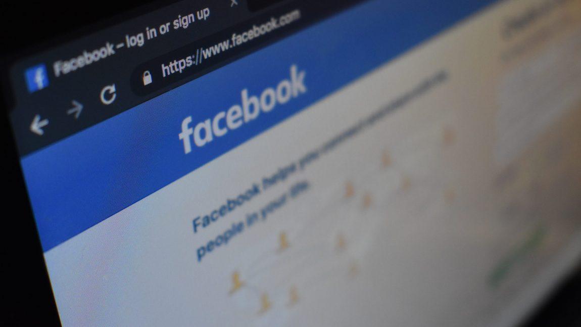 Kaip valdyti neigiamus komentarus socialinėje medijoje?